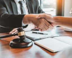 Ceny u notariusza. Czym jest taksa notarialna?